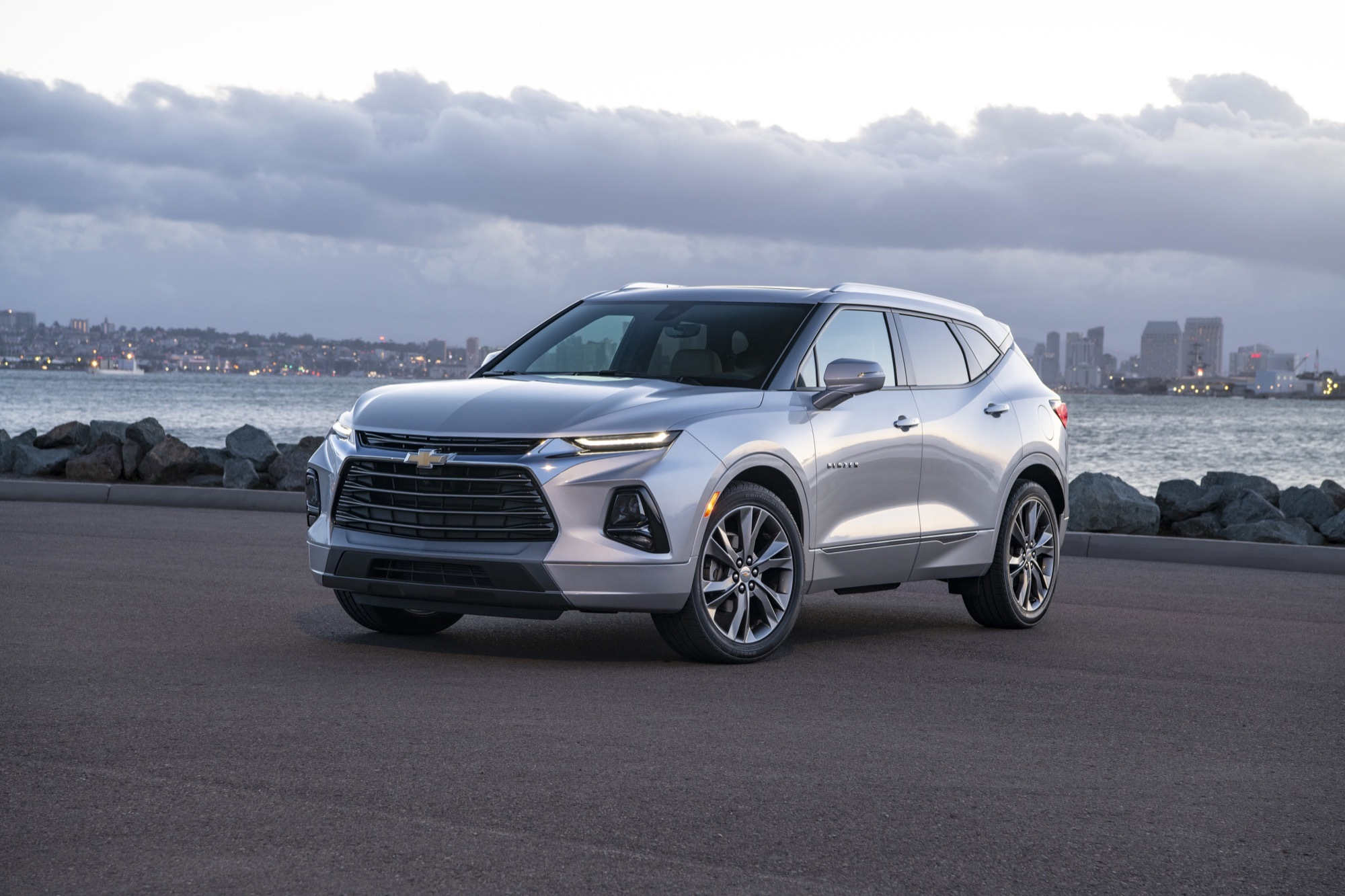 2019 Chevy Trax: Design, Specs, MPG, Price >> 2019 Chevrolet Blazer Reviews Price Specs Features Photos And