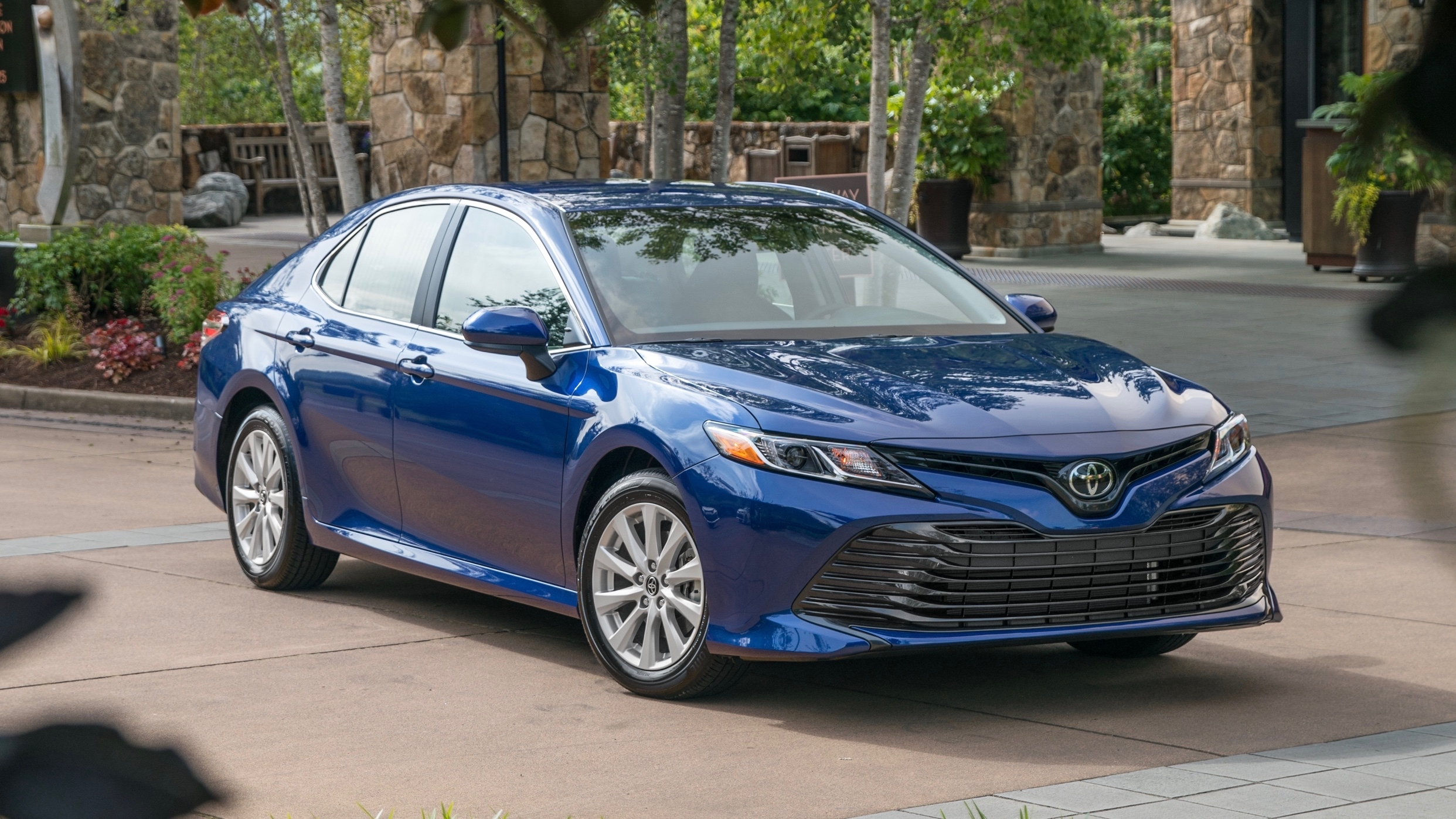 Toyota Certified Pre Owned >> 2019 Toyota Camry Reviews | Price, specs, features and ...