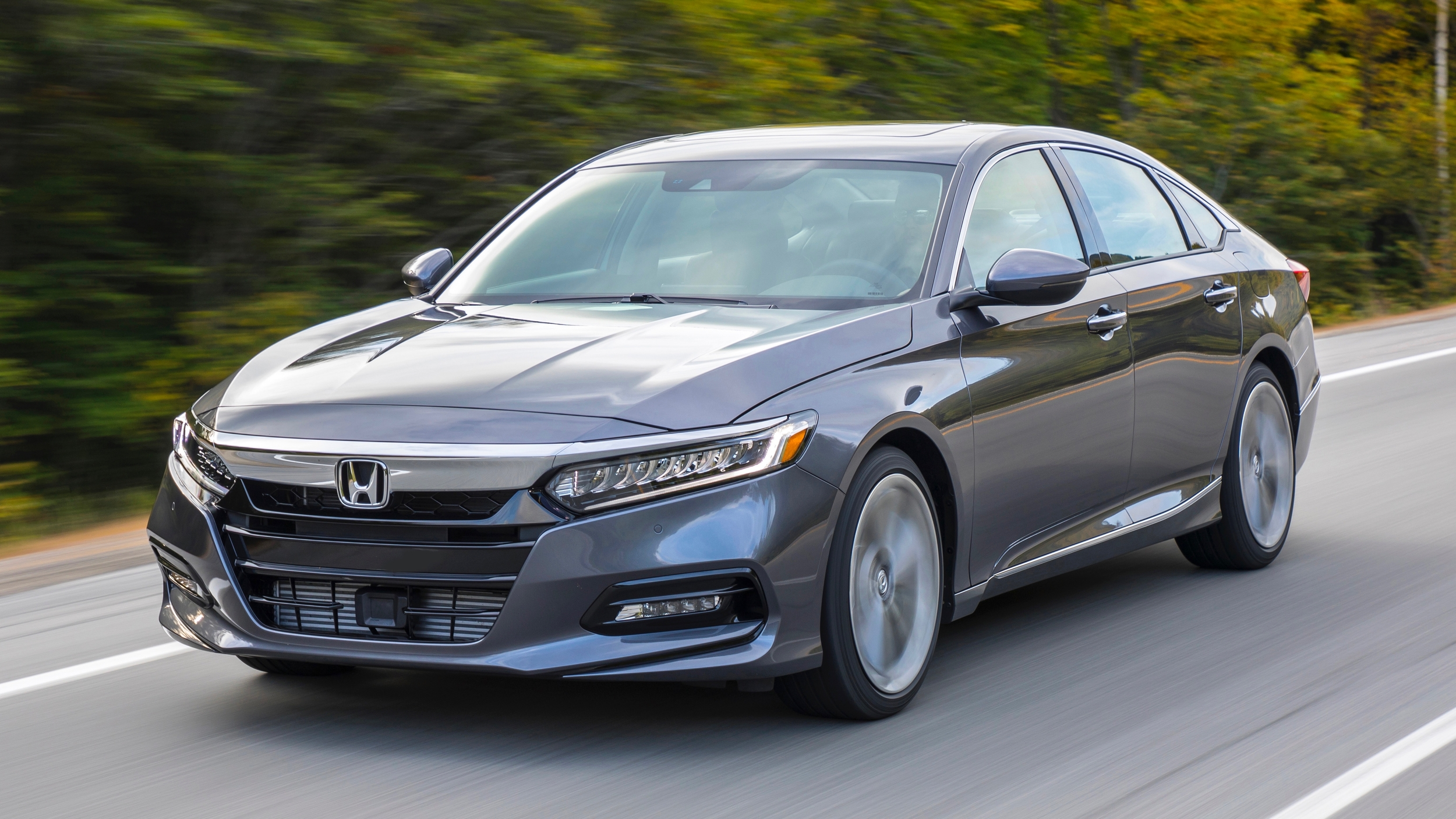 2019 Honda Accord Touring 2 0t Review Performance Comfort Fuel Economy Design Autoblog