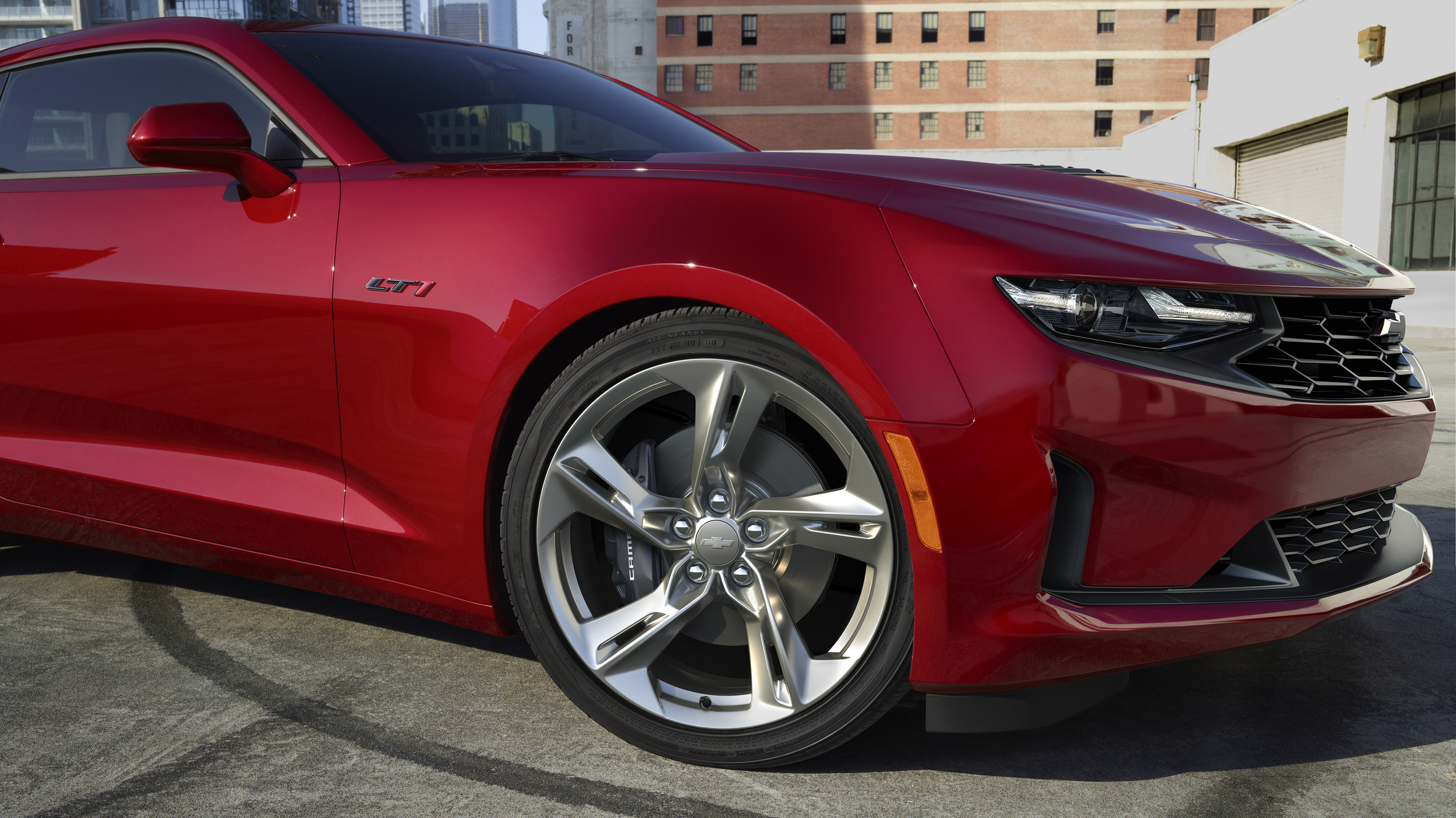 2020 Chevrolet Camaro revealed with emergency front-end ...