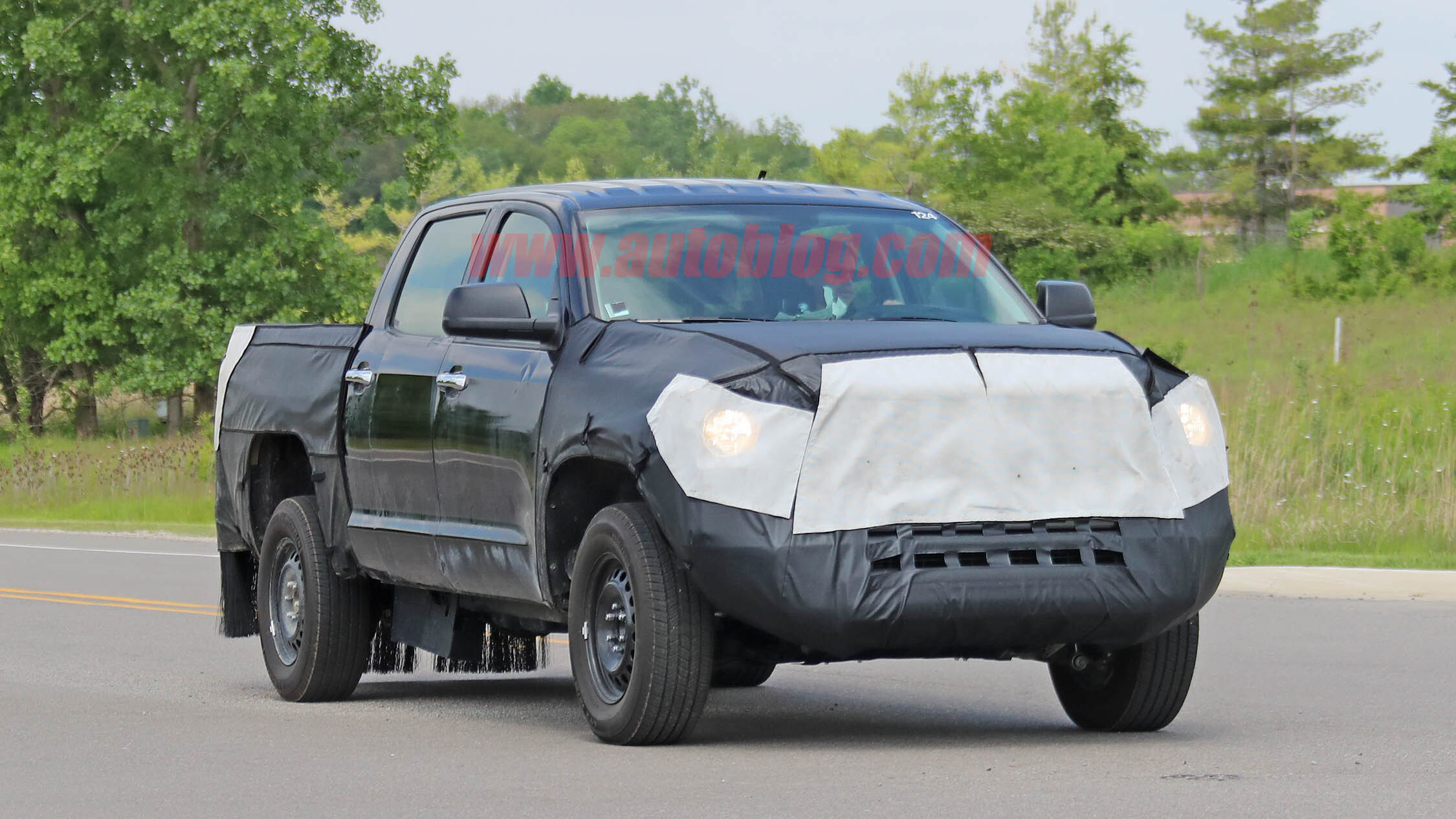 Toyota Certified Pre Owned >> 2021 Toyota Tundra hybrid spied, still hiding its rear suspension | Autoblog