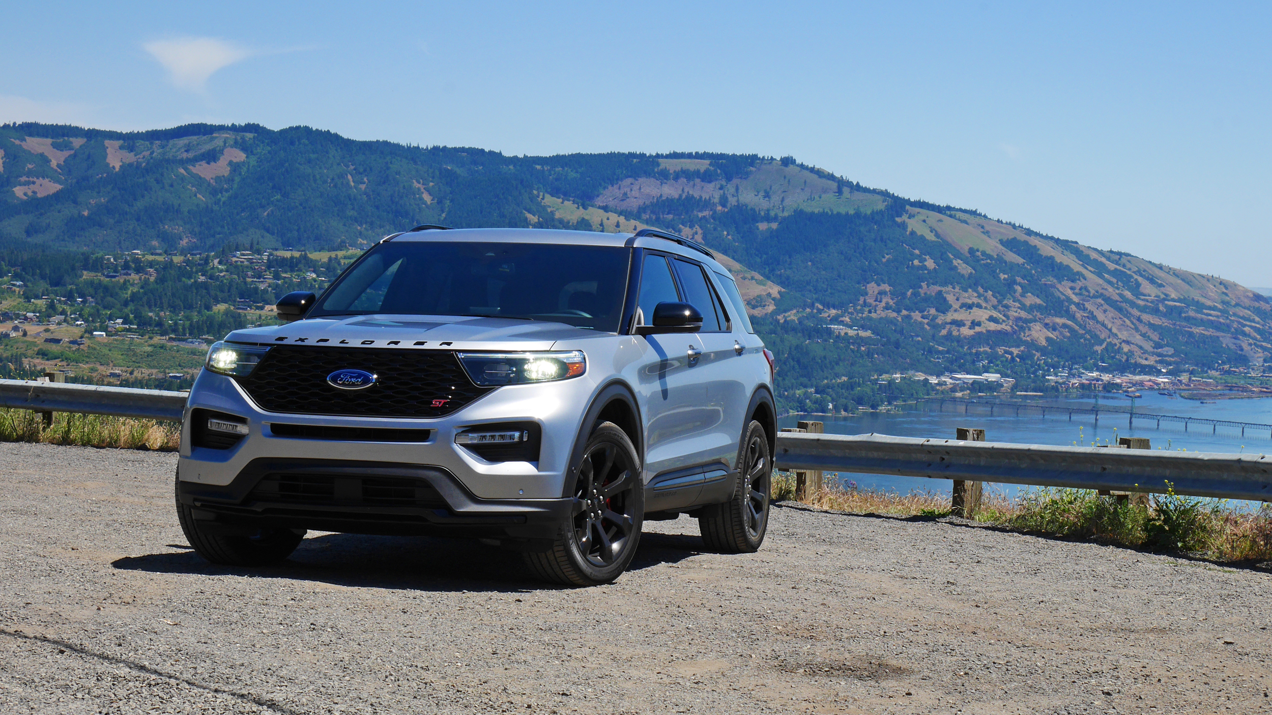 2020 Ford Explorer St First Drive Review Photos Specs Driving Impressions Autoblog