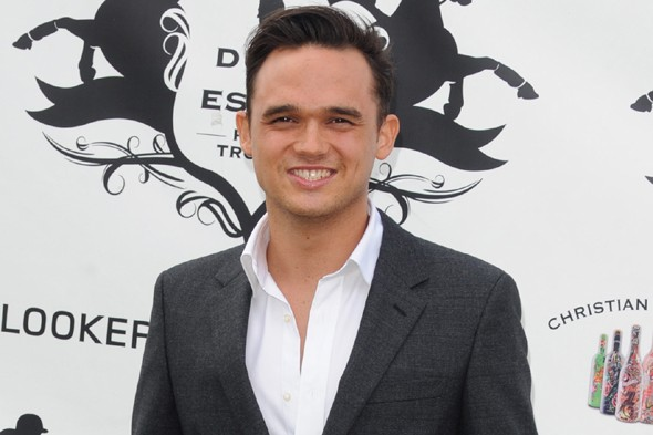 Gareth Gates to sing to tourists on a cruise