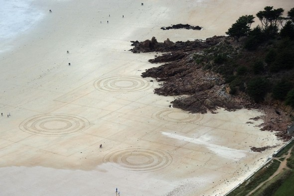 Jersey hosts first beautiful beach art competition