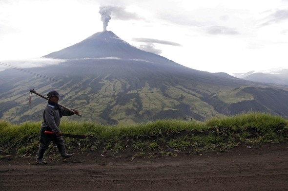 Video: 'Silent but violent' volcano erupts in Ecuador