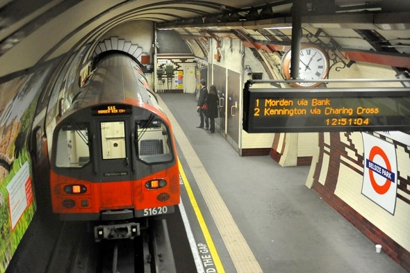 Tube staff reject £500 Olympics bonus deal