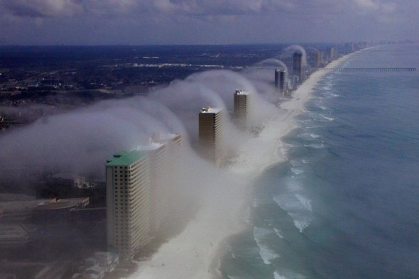 Amazing pics: 'Tsunami' waves clouds hit Florida's coast