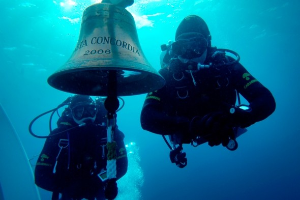 Who stole the 'iconic' Cost Concordia bell?