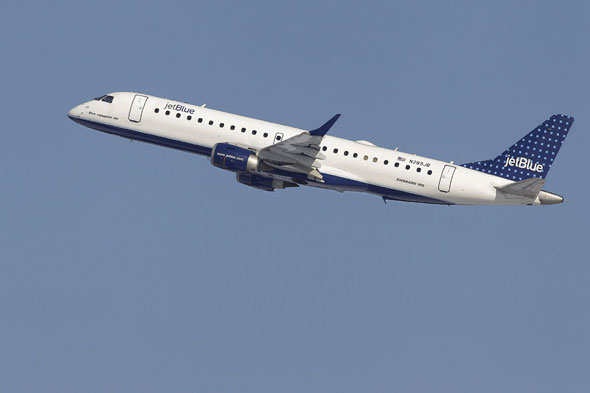 'Fight over boyfriend' forces plane to make emergency landing