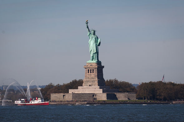 Meet my partner - the Statue of Liberty: British woman speaks of her love