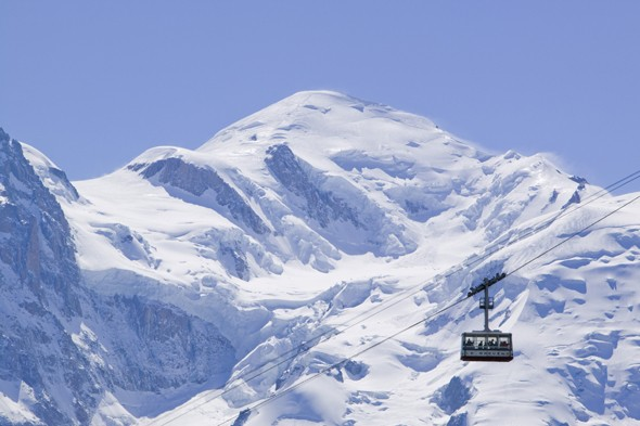 British skier dies as he slips on ice and plunges 100ft down ridge in Chamonix