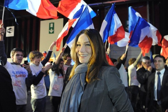 Carla Bruni admits to travelling on the Paris Metro in disguise