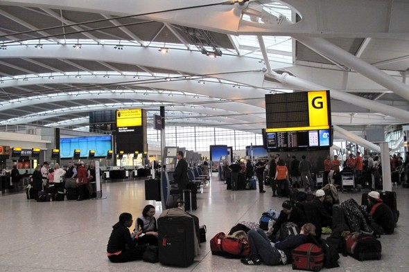 Airlines told to pay passengers compensation for flight delays