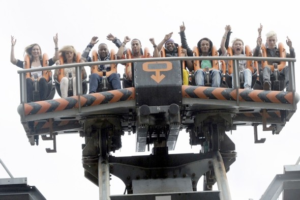 Man rescued from Alton Towers' Oblivion ride