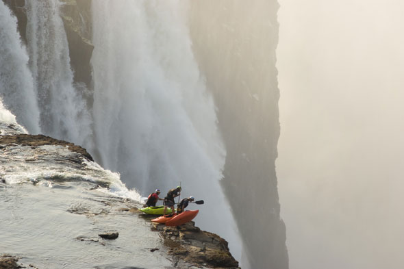 Nice view? Daredevil kayakers take on Victoria Falls