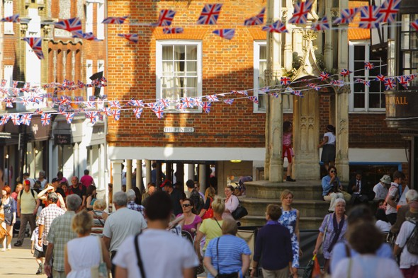 Six million Brits in Jubilee getaway with four million holidaying at home