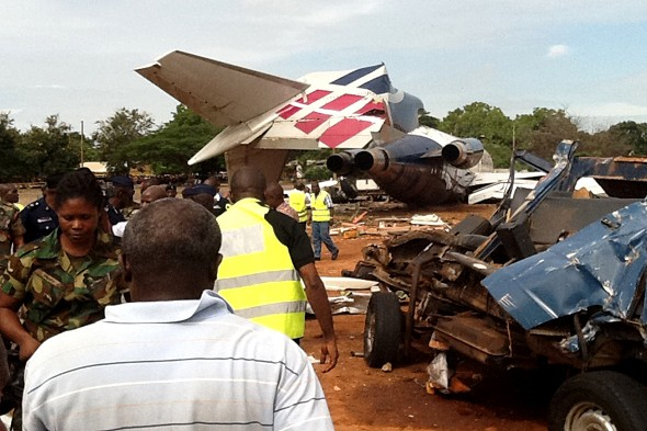 Ten dead in Ghana plane crash