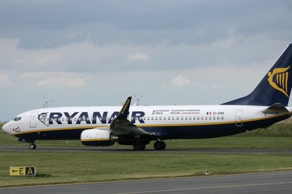 Ryanair to send 'bad news' texts