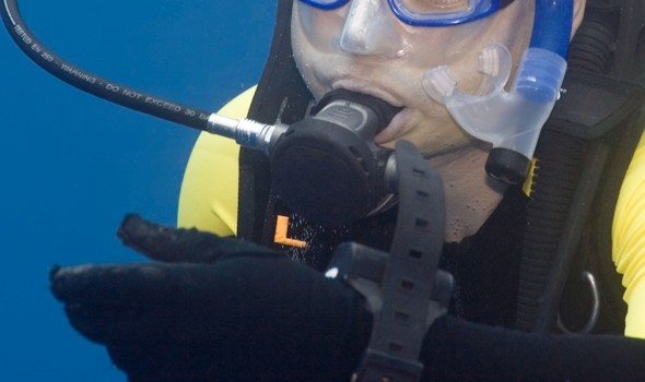 Diver survives 40 minutes in North Sea after air supply cuts off