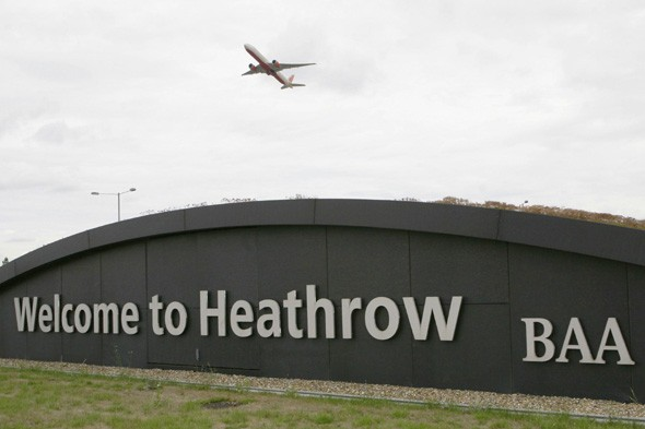 British plane returned to airport after pilots become dizzy