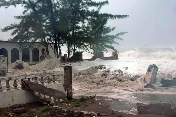 British holidaymakers prepare for Hurricane Sandy in Jamaica