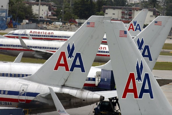Eight American Airlines planes grounded after seats become loose