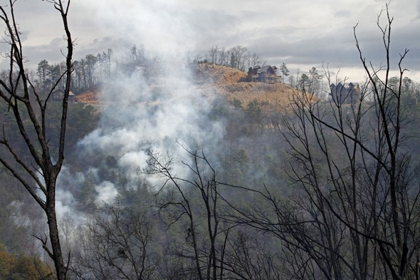 US wildfires burning down tourist cabins