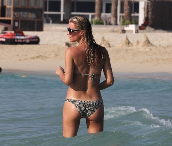 Denise Van Outen hits the beach in Dubai for third time in a year