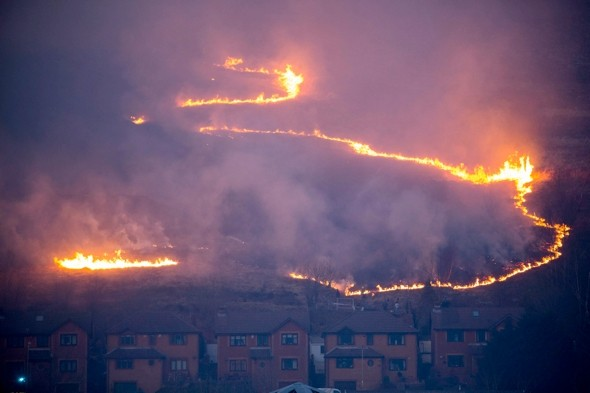 Firefighters tackle hundreds of grass fires covering '70 football fields' in Wales