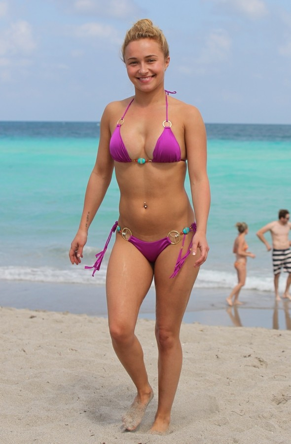 Hayden Panettiere shows off bikini curves on Easter break in Florida