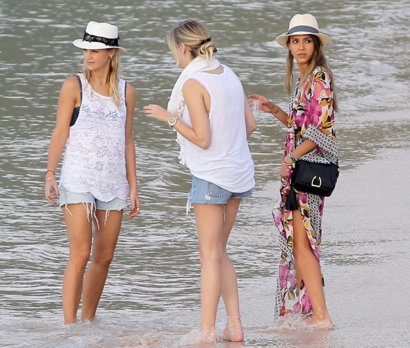 Jessica Alba shows off perfect beach chic on holiday in St Barts