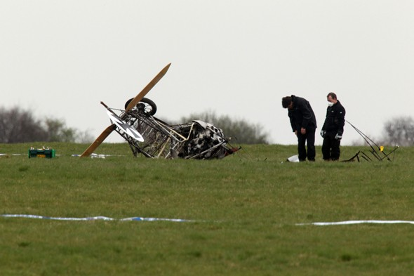 Pilot of WWI replica plane killed in crash