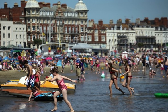 Mini heatwave to hit UK! Wednesday set to be hottest day of the year