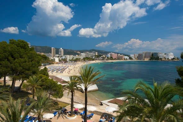 British father dies in Magaluf hotel balcony fall