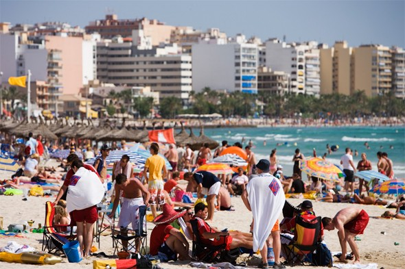 Welsh holidaymaker dies in 50ft balcony fall in Ibiza