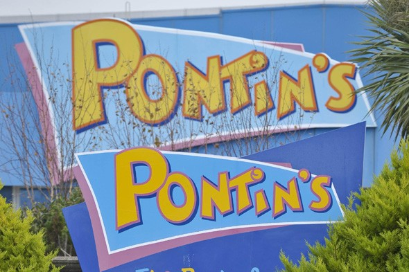 Four Month Old Boy Dies After Collapsing At Pontins Holiday Camp Aol