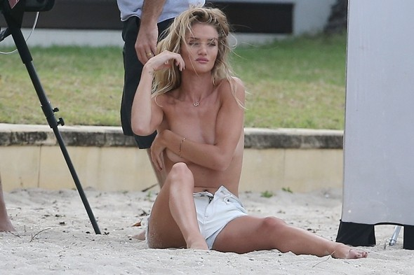 Rosie Huntington-Whiteley does topless photo shoot on Australian beach