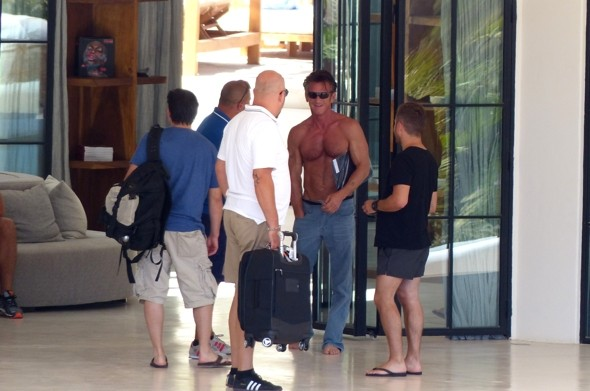 Sean Penn shows off toned torso on cruise in Ibiza