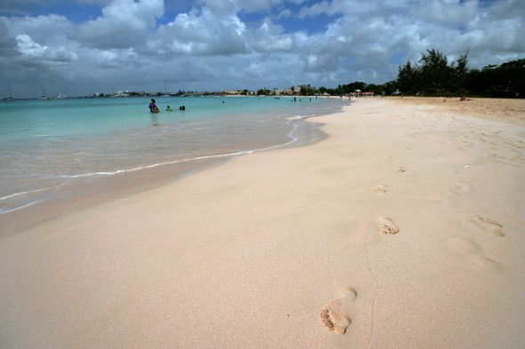 Barbados entices tourists with 'free' spending money