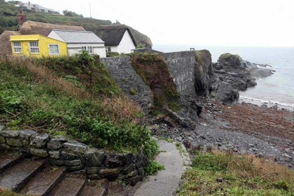 Teen dies in 60ft cliff fall on Cornwall holiday