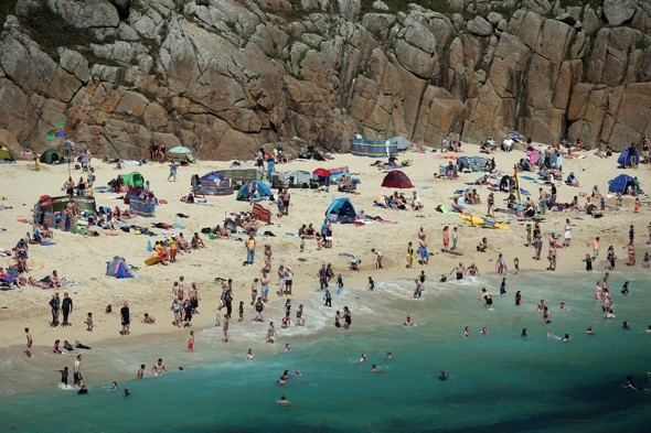 Cornwall beaches clean-up as 'killer substance' identified