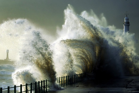 Hurricane-strength winds to hit Britain in worst storm for 26 years