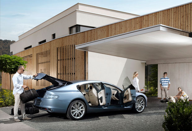 Aston Martin Rapide shows off its pretty self on Facebook