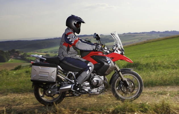 BMW unleashes 2010 R 1200 GS with DOHC boxer engine