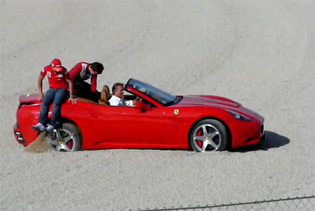 VIDEO: Montezemolo beaches Ferrari California at own World Finals in Valencia