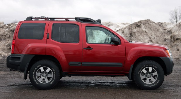 2011 nissan xterra pro 4x review autoblog autos post. Black Bedroom Furniture Sets. Home Design Ideas