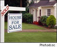 home-prices-fell-at-slower-annual-pace-in-july-case-shiller