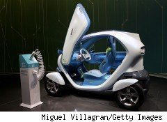 Renault's Twizy Z.E. concept car won't hit the streets until later next year, but will be virtually available on Electronic Arts's The Sims 3 this spring.