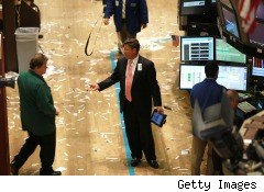 traders on stock exchange