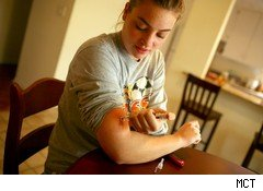 Diabetic injecting insulin